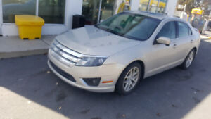 2010 Ford Fusion SEL, 4 cylinders, sunroof, bluetooth, no rust