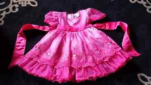 Beautiful dress size 2 Fuschia pink Kitchener / Waterloo Kitchener Area image 1