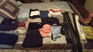 ****REDUCED PRICE-LADIES HUGE LOT OF CLOTHING****
