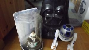 3 COOL STAR WARS COLLECTORS ITEMS:LEIA,DARTH VADER HEAD,R2D2 TOY