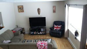 3 Bedroom Townhouse for rent on March 1st, washer & dryer Incl!!
