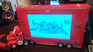 RAE AND LIKE BRAND NEW COMPUTOR SCREEN/T.V TRUCK WITH CAB/TRAILE