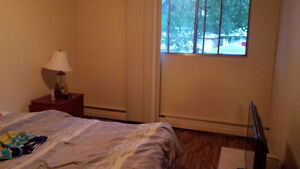 Main bedroom available in a 2 bed room apartment