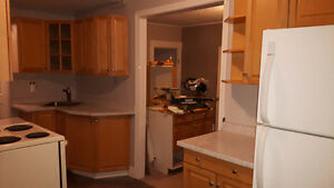 One and a half story, 2 bedroom apartment in East City Peterborough Peterborough Area image 4