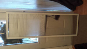Window coverings with blinds