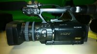 Sony HVR-V1U 3-CMOS 1080i Prof. HDV Camcorder - BARELY USED, LOW