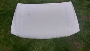2004 GMC Sierra White Hood and Fenders