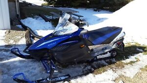 2006 APEX GT Yamaha Snowmobile