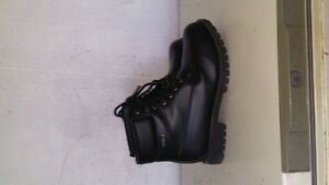 Mens Work boots for sale!