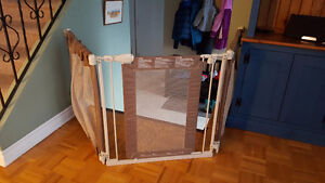 Summer Infant Custom Fit Baby Gate in beige
