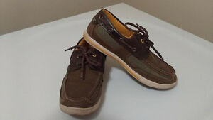 American Eagle boys boat shoes, Size 4 Kitchener / Waterloo Kitchener Area image 1