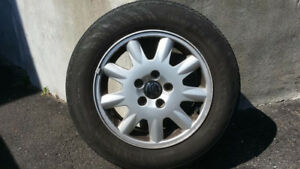 4 Summer tires with rims, size 195/65/R15 (5x108mm bolt pattern)