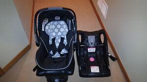 Britax B-SAFE Car Seat + Spare Base
