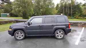 2009 Jeep Patriot  **NORTH EDITION**  CLEAN!!