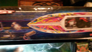 NEW- ELECTRIC RC BOAT