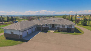 2400 sqft, fully finished bungalow with 7 beds on 10.5 acres!!!
