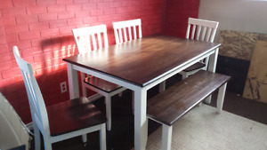 Free delivery table set