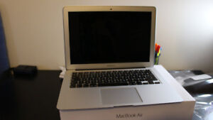 Macbook Air 13' - 1.4ghz i5 - Mint Condition - 2015 Latest Model
