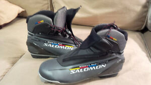 Salomon XC Boots - worn twice Size men's 8