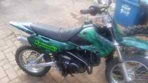 KAWASAKI KLX 110CC DIRTBIKE MINT NEW PRICE
