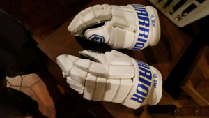 CUSTOM WARRIOR HOCKEY GLOVES