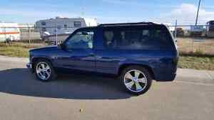 1999 Chevrolet Tahoe 2wd 2dr