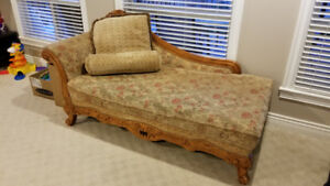 SOFA SET FOR SALE $600 inclusive!