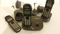 3 PANASONIC CORDLESS PHONE SET