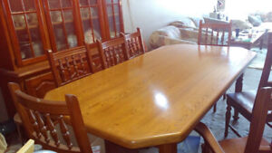 Solid Oak Dining Table & Hutch Set
