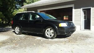 2006 Ford FreeStyle/Taurus X SUV, Crossover