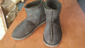 Mens Ugg Classic Winter Boots...size 9.5