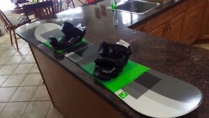 Head Camba Series 146cm Snowboard with Bindings