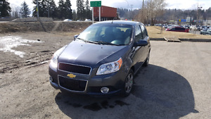 2010 chev aveo 4dr ray 250 640 7293 low kms auto