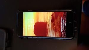 Iphone 6 32go gris, avec étuis otterbox tout en parfaite état.