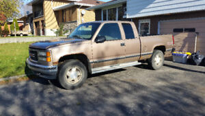 1997 GMC Sierra 1500 Pickup Truck ( not Running )