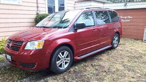 2010 Dodge Caravan Minivan, Van