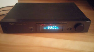 AKAI AM/FM TUNER AT-K03 STEREO RECEIVER