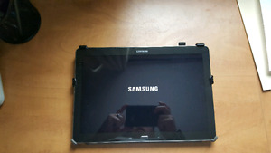 32 GB Samsung note pro 12.2 with s pen and case