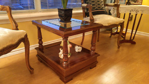 Coffee table & matching 2 end tables $200 Cobourg