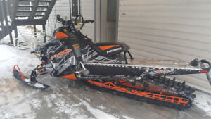 SNOWMOBILE .... A REAL BEAUTY!!!