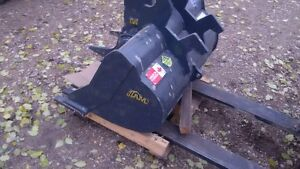 Mini Excavator Cleanup bucket And Ripper