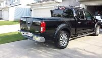 2009 Nissan Frontier LE crew cab Pickup Truck