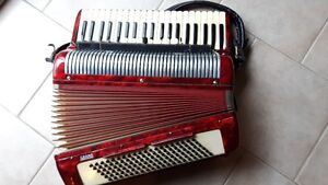 GRAND 24 key piano accordion