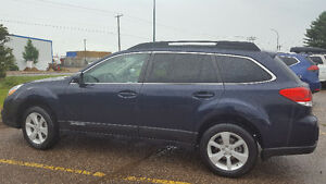 2014 Subaru Outback 2.5i Touring - Mint Condition