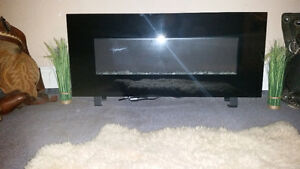 Very Nice Mint Condition Electric Fireplace