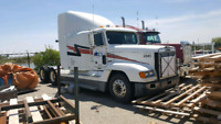 Selling 2 Trucks. 1997 WESTERNSTAR AND 1998 FREIGHT LINER