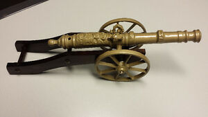 MINIATURE OLD STYLE CANNON