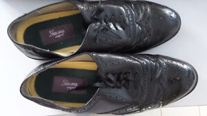 Men's black casual dress shoes