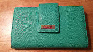 Brand new wallet/utility clutch - Price tag still on Kingston Kingston Area image 1