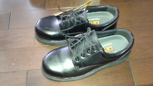 Steel Toed Mens Work shoes Size 9 - Brand New